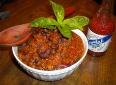Crockpot Gameday Moose Chili - sounds good, tho I will be trying with hamburger :) Moose Recipes, Wild Game Recipes, Chilli Recipes, Venison Recipes, Meat Recipes, Crockpot Recipes, Venison Meals, Slow Cooker, Chicken