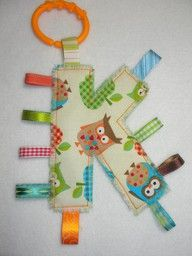 Monogram Taggies - OWLS - Personalized Alphabet Toy for Your Baby doudou initiale ! Sewing For Kids, Baby Sewing, Diy For Kids, Sew Baby, Baby Baby, Cute Gifts, Diy Gifts, Handmade Gifts, Sewing Crafts