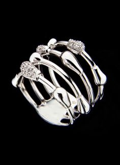 H.Stern Drops collection, Ring in 18k white gold with diamonds.