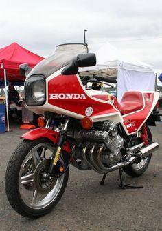 Honda Motors, Honda Bikes, Honda Cb750, Yamaha, Ducati, Cb750 Cafe Racer, Cafe Racer Bikes, Motorcycle Engine, Motorcycle Style