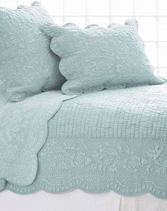 Dusty Blue Quilt really like whole cloth quilts