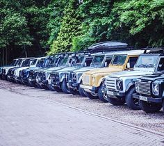 Twisted Defenders vary in appearance, adapted to the client's taste, but each model performs to the highest level!  #Power #Speed #TwistedDefender #Yorkshire #LineUp #Defender #LandRover #Customised #Modified #LandRoverDefender #Style #Lifestyle #Handmade #Handcrafted #AntiOrdinary #DefenderRedefined #4x4 #Automotive #BestOfBritish #Iconic #Classic #ModernClassic #Performance
