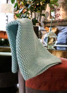 Knitting Kits For Beginners, Wooden Knitting Needles, Learn How To Knit, Yarn Ball, Jute Bags, Baby Alpaca, Yarn Colors, Wool Yarn, Crochet Baby