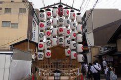 Various pictures of the Hachiman Yama (八幡山) Float during Yoiyama (宵山) in Kyoto! #Yoiyama, #宵山, #GionMatsuri, #祇園祭り, #Kyoto, #Japan, #HachimanYama, #八幡山