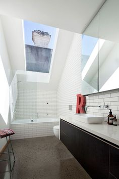 Skylight above the bathroom in white - Decoist