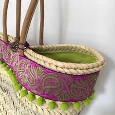 Capazo ALISHA. Diseño de Cuqui Miluki 2016 Clutch Bag, Tote Bag, Diy Sac, Decorated Shoes, Straw Tote, Basket Bag, Summer Bags, Crochet Home, Handmade Bags