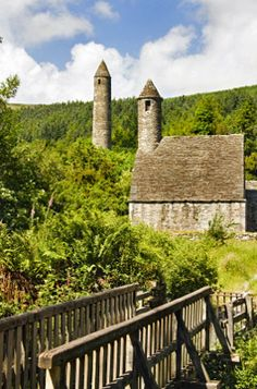 About an hour south of Dublin, Glendalough, or Valley of the Two Lakes, houses the ruins of what was once one of the leading monastic settlements in Ireland. A hermit monk named Saint Kevin founded the monastery before his death in about 618. The settlement flourished for the next 600 years. Today, visitors can explore stone structures, churches, a cathedral, a round tower, and a cemetery.