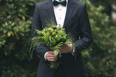 All green: green wedding bouquet | Dein Hochzeitsblog | green Wedding Inspiration | www.deinhochzeitsblog.com