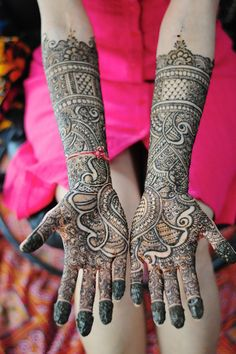 Mehndi Maharani 2013 Finalist: Henna Craze http://maharaniweddings.com/gallery/photo/13912