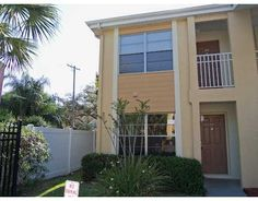5440 S MACDILL AVE 4  TAMPA, FLORIDA 33611        2 Bedrooms, 1 Bathrooms  884 Square Ft.