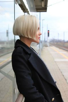 Various Short Blonde Bob Hairstyles #shorthairstyles #crazyforus #blondehairstyles #blondebob #shortblondehair #shortbobhairstyles
