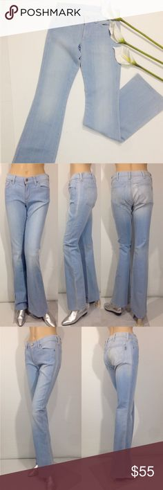 """CITIZENS OF HUMANITY LIGHT BLUE JEANS CITIZENS OF HUMANITY Women's Jeans Size 27 Condition: New without tags, never worn. No flaws Light wash, wide leg Measurements: waist side seam to side seam: 15"""" Rise: 8"""" Inseam: 34"""" Citizens of Humanity Pants Boot Cut & Flare"""