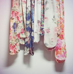 Floral Tights. Want.