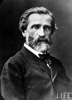 Giuseppe Verdi (1813 – 1901) fue un compositor romántico italiano de ópera del siglo XIX. Fue autor de algunos de los títulos más populares del repertorio lírico, como los que componen su trilogía popular o romántica: Rigoletto, La Traviata e Il Trovatore y las obras maestras de la madurez como Aida, Don Carlo, Otello y Falstaff.