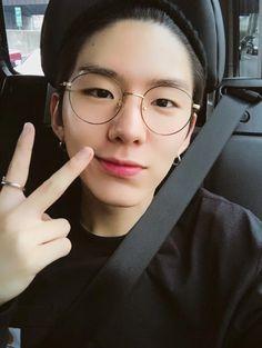 Kihyun is boyfriend material af #MonstaX