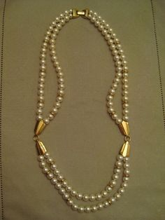 New Faux Pearl Necklace with a silver or gold metal emblem /& 2 strands