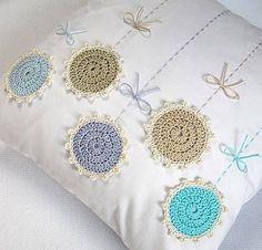 """1,007 Me gusta, 8 comentarios - La Magia Del Crochet (@la_magia_del_crochet) en Instagram: """"Ideas tomadas de internet... para hacer aplicaciones. """""""