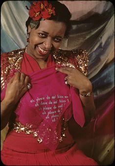 Ethel Waters in Cabin in the Sky, 1940 photo by Carl Van Vechten African American Hairstyles, African American History, Mixed Race Celebrities, Ethel Waters, Vintage Black Glamour, Black Actors, Herzog, Famous Faces, Black History