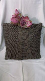 O Atelier da Isaura: Almofada em tricô