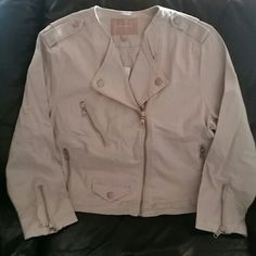 NWT Banana Republic cropped denim jacket, size L Banana Republic cropped denim motorcycle jacket with silver buttons and zippers, size L, NWT - brand new. The perfect jacket to throw on with your favorite outfit! No trades. Banana Republic Jackets & Coats Jean Jackets