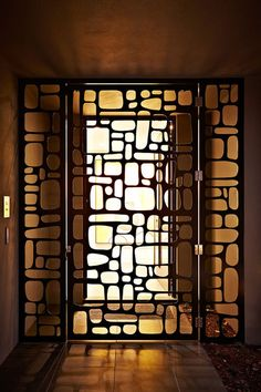 This design is good for both windows and front door security gate