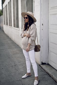 Fall Maternity Outfits, Summer Maternity Fashion, Stylish Maternity, Maternity Wear, Cool Maternity Clothes, Cute Maternity Style, Baby Bump Style, Mom Style, Outfits With Hats