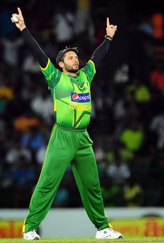 Shahid Afridi HD Wallpapers | HD Pictures of Shahid Afridi - HD Photos