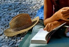 Read books by the beach #zimmermanngoesto