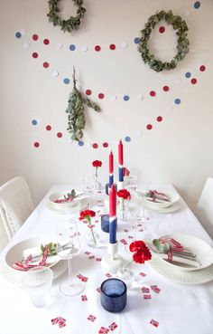 DIY: Lag en festlig og fargerik girlander til mai! Norwegian Flag, Norwegian Christmas, Danish Christmas, Flag Garland, Diy Garland, Constitution Day, Holiday Crafts, Holiday Decor, Party Entertainment