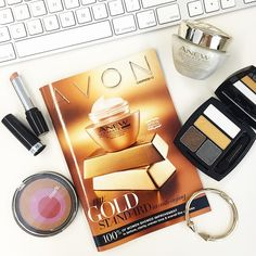 Saturday morning desk essentials!  -avoninsider Instagram www.youravon.com/ericagerlemann