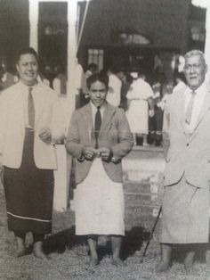 18 Nov 1946 The 3 Kings of Samoa have just presented the petition to the United Nations Organisation for Self Government. Tamasese, Malietoa and Mataafa Photo taken outside Dept Foreign Affairs building in Mulinuu.