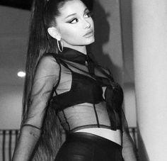 Ariana Grande Concert, Ariana Grande Cute, Ariana Grande Photoshoot, Ariana Instagram, Feeds Instagram, Ariana Grande Images, Ariana Grande Wallpaper, Dangerous Woman, Celebs