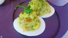 Huevos rellenos de guacamole: Una receta ligera y fresca que le gustará a todo el mundo, por su sabor y su presentación. Un plato muy sencillo que puede hacer cualquier persona sin ningún tipo de dificultad.