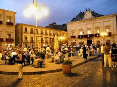Piazza Garibaldi, Nicosia, Enna, Sicilia