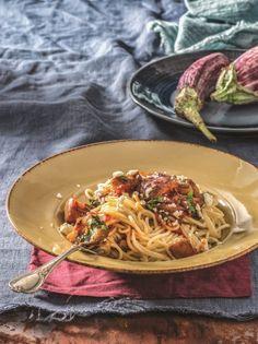 Σπαγγέτι με σάλτσα ιμάμ μπαϊλντί - www.olivemagazine.gr