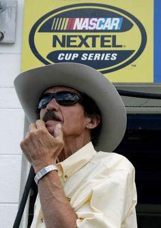 richard petty winning pics | Petty's historic win 25 years ago at Daytona featured a furious finish ...