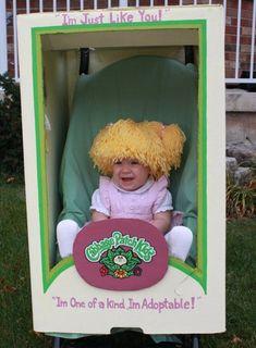 disfraz de muñeca en una caja para bebe