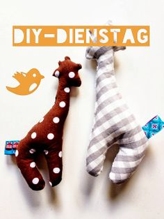 Babyrassel aus Stoffrest und altem Handtuch / Baby's rattle made of fabric scraps and old towel