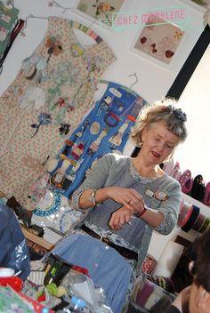 Un évènement de taille à l'atelier en juillet prochain et la venue de Julie Arkell, artiste textile anglaise qui nous fait craquer sur ses personnages en papier mâchés