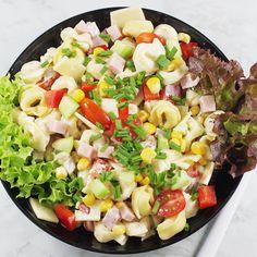 Sałatka z tortellini | AniaGotuje.pl Tortellini, Fruit Salad, Cobb Salad, Restaurant, Salads, Food, Restoration, Fruit Salads, Diner Restaurant