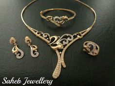 Jewellery in Saudi Arabia Saheb Pendant Jewelry, Jewelry Sets, Jewelry Necklaces, Diamond Necklaces, Jewlery, Gold Jewellery Design, Gold Jewelry, Beautiful Necklaces, Wedding Jewelry