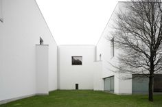 The Serralves Foundation Museum was designed by Portuguese architect Álvaro Siza Vieira and completed in 1999. Located in the Quinta de Serralves.