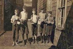 Η παιδική εργασία δεν θεωρούνταν ιδιαίτερα παραγωγική, ενώ η αμοιβή της, στην Αγγλία των αρχών του 19ου αι, κυμαίνονταν μεταξύ 30-50% του μισθού των ενηλίκων.....Ιδιαίτερα στα μεγαλύτερα παιδιά, ήταν εμφανής ο διαφυλικός καταμερισμός, με τα κορίτσια να αναλαμβάνουν οικιακές εργασίες και τα αγόρια τις εξωτερικές.