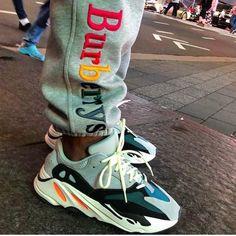86 mejores imágenes de Yeezy's 700   Zapatillas, Calzas, Zapatos