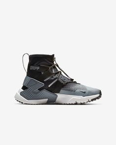 A Style Guide for a Dark Future. Black Nike Shoes, Nike Air Shoes, Futuristic Shoes, Basketball Shoes For Men, Hype Shoes, Nike Air Huarache, Sneaker Boots, Huaraches, Sneakers Fashion