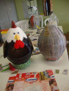 Galinha porta ovos- feita com papietagem na bexiga!