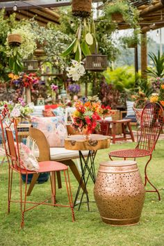 Lounge Party, Wedding Decorations, Table Decorations, Flamingo Party, Outdoor Furniture Sets, Outdoor Decor, Pink Flamingos, Coffee Shop, Wedding Flowers