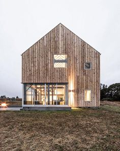 "2,096 Likes, 14 Comments - UP KNÖRTH (@upknorth) on Instagram: ""Scandinavian barn living. #getoutdoors #upknorth Minimal, open concept and completely clad in…"""