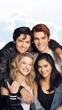Portraits/Fotos Riverdale The post appeared first on Riverdale Memes. Riverdale Netflix, Riverdale Funny, Bughead Riverdale, Riverdale Memes, Riverdale Poster, Riverdale Wallpaper Iphone, Riverdale Betty And Jughead, Riverdale Aesthetic, Betty & Veronica