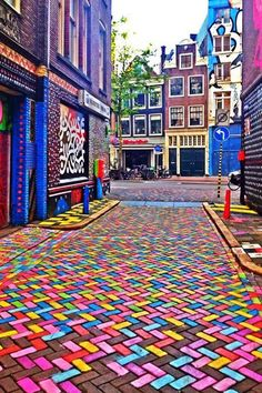 STYLEeGRACE ❤'s this street art near Spuistraat in Amsterdam, Netherlands!